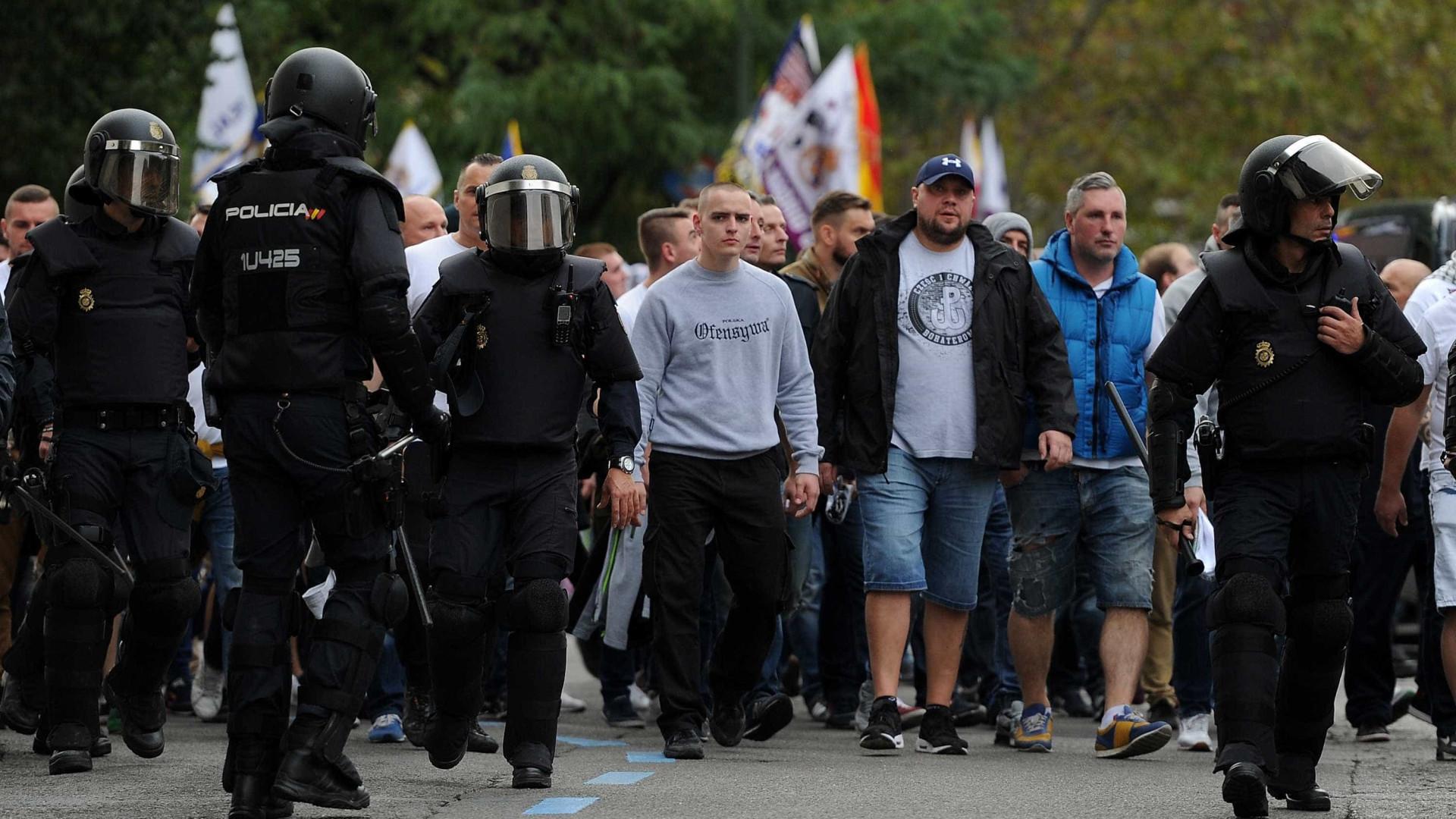 Fãs do Légia protagonizam violentas cenas de pancadaria com polícia