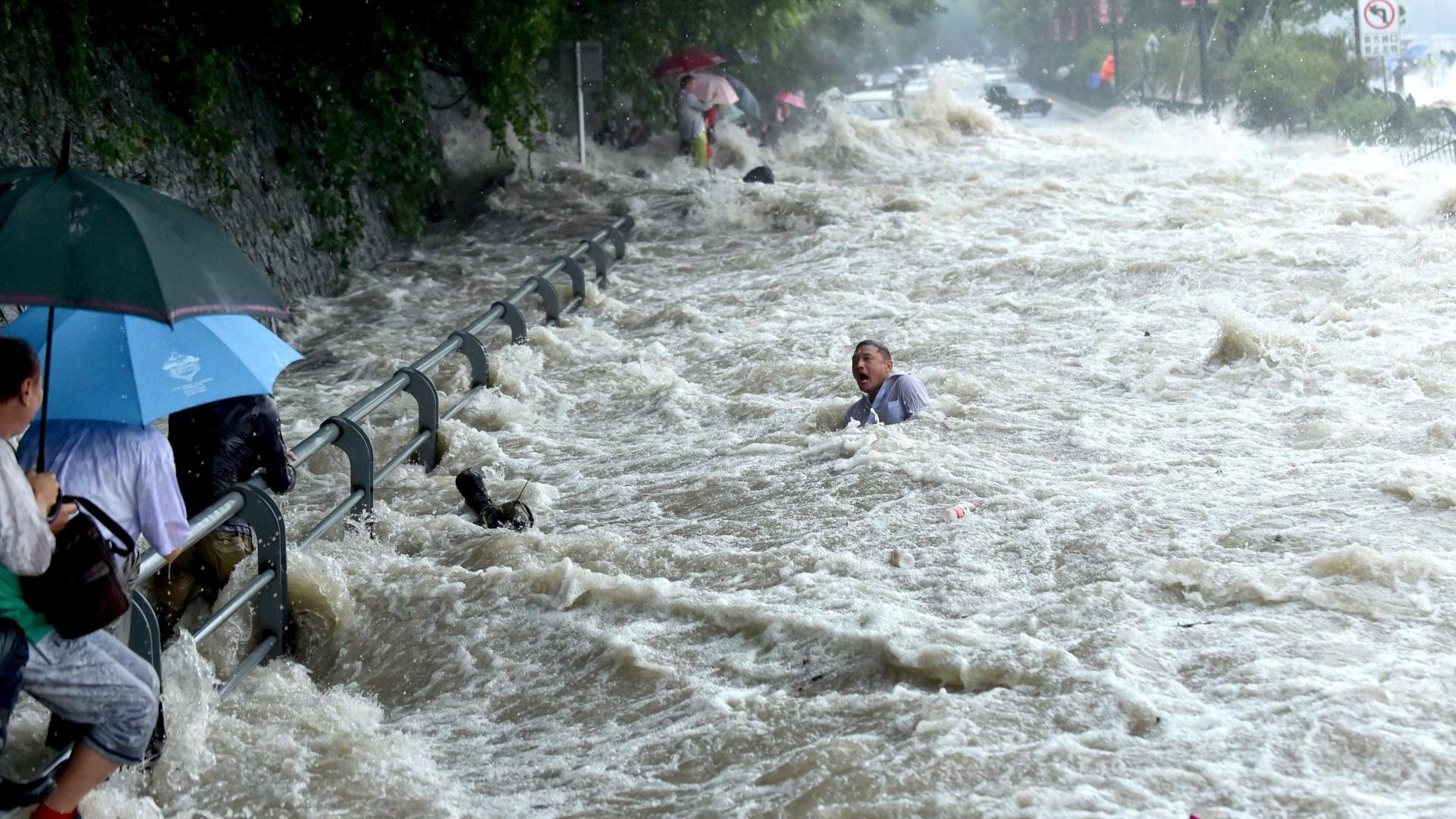 Norte das Filipinas sob alerta máximo devido ao tufão Haima