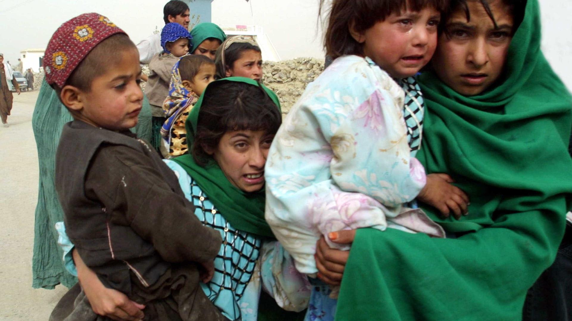 Número de crianças vítimas do conflito no Afeganistão aumenta