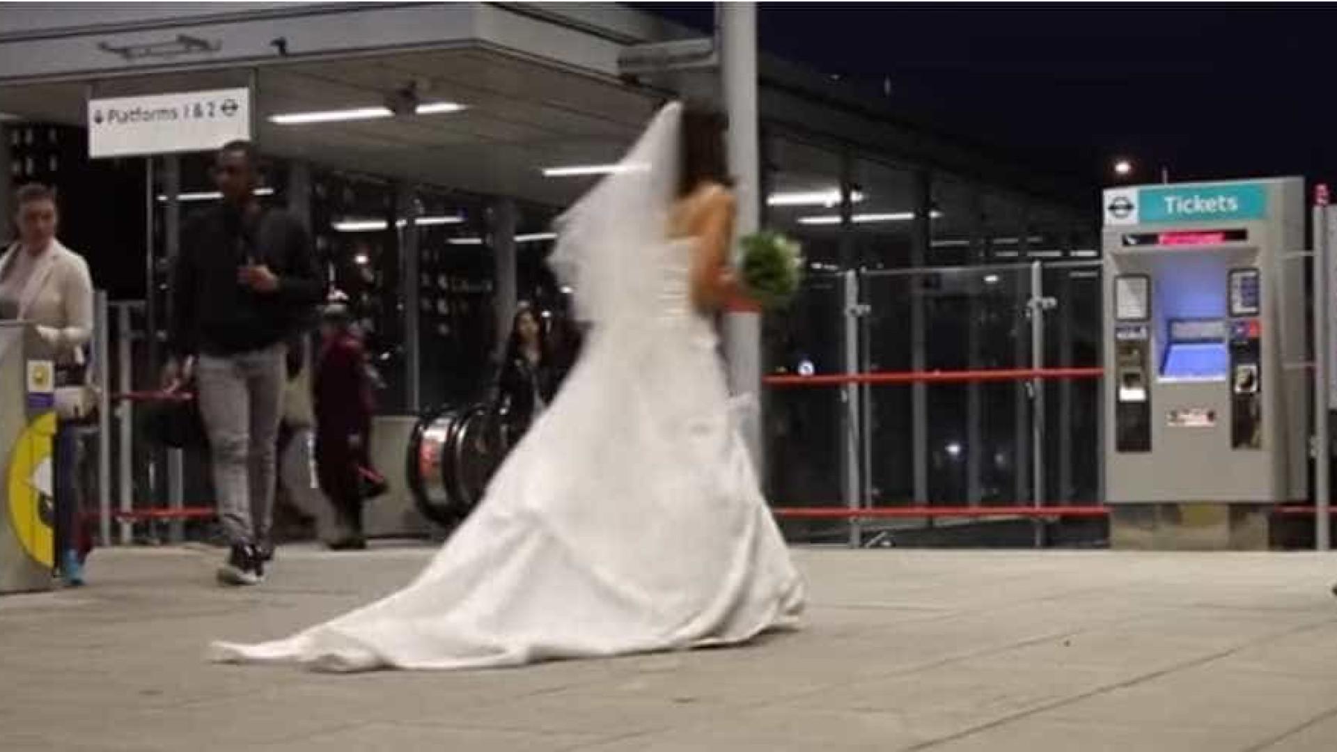 E se no primeiro encontro a sua pretendente fosse vestida de noiva?