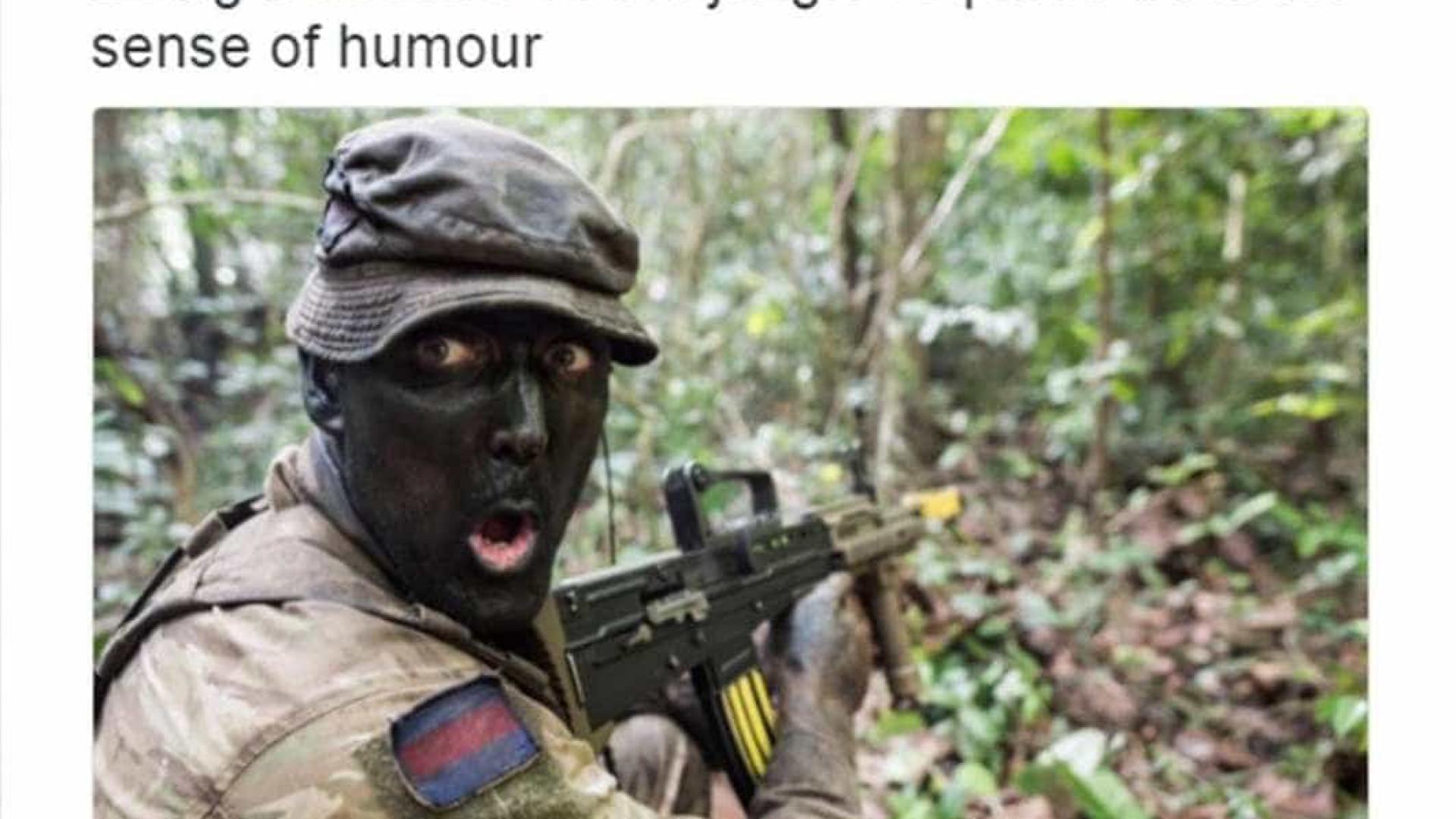 """Exército britânico forçado a eliminar tweet """"racista"""""""