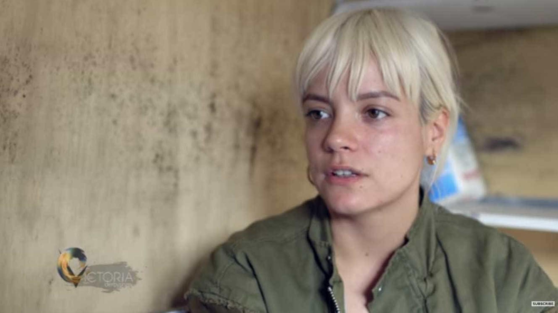 Criança refugiada a quem Lily Allen pediu desculpa já está em Londres