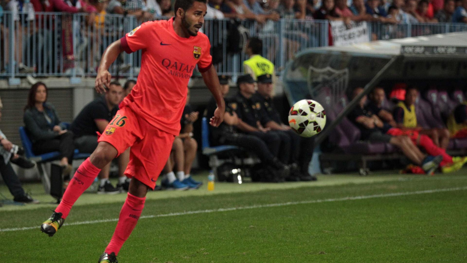 Agente de Douglas em Barcelona para fechar saída para o Benfica