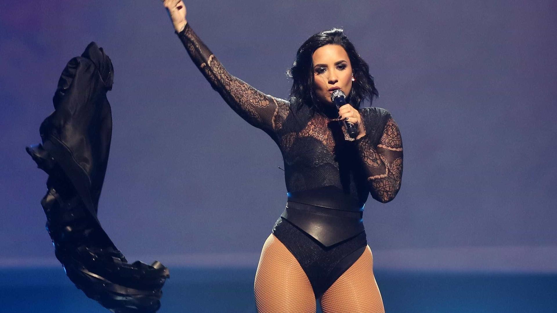 """Demi Lovato sobre a sua saúde mental: """"Espero passar 2017 sóbria"""""""