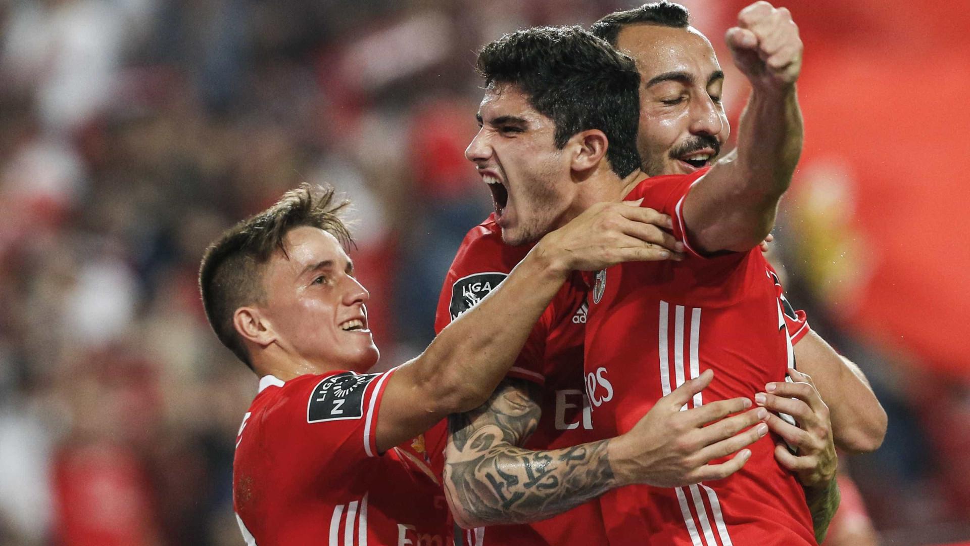 Pai de Gonçalo Guedes assegura que jogador não pensa sair do Benfica