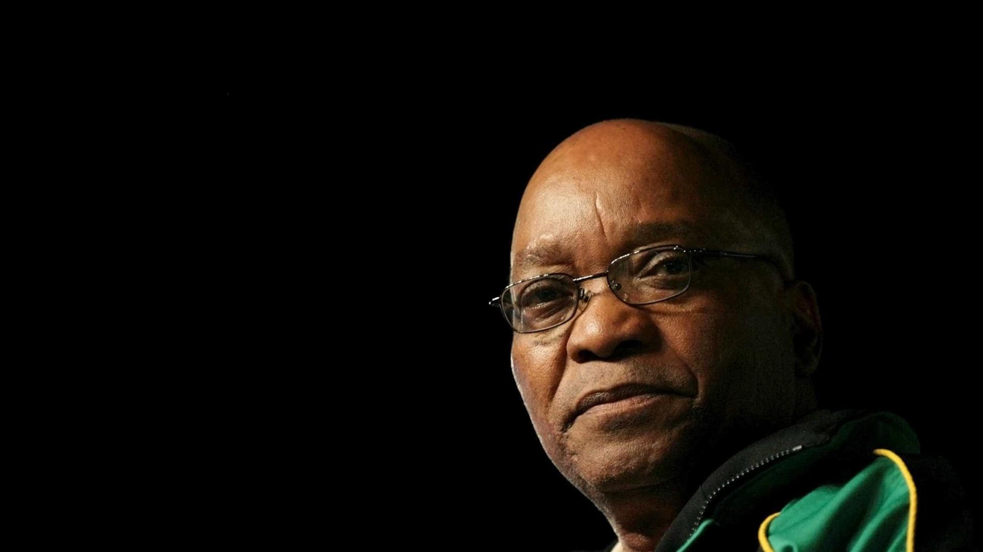 Polícia sul-africana prende três pessoas ligadas a caso contra Jacob Zuma