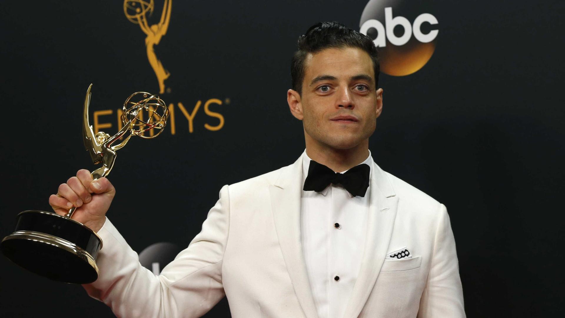 Fontes afirmam que Rami Malek mantém uma relação com Lucy Boynton