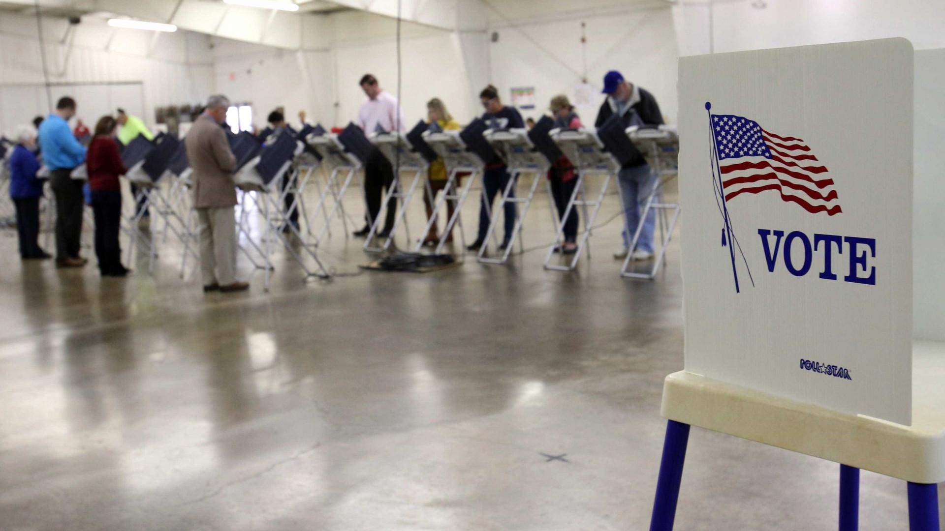 Detida alegada autora de fuga de informação sobre eleições nos EUA