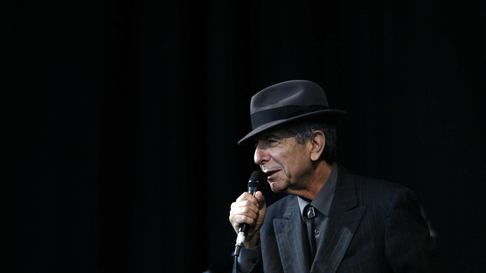 Relógio d'Água publica 'A Chama' de Leonard Cohen e 'O doente inglês'