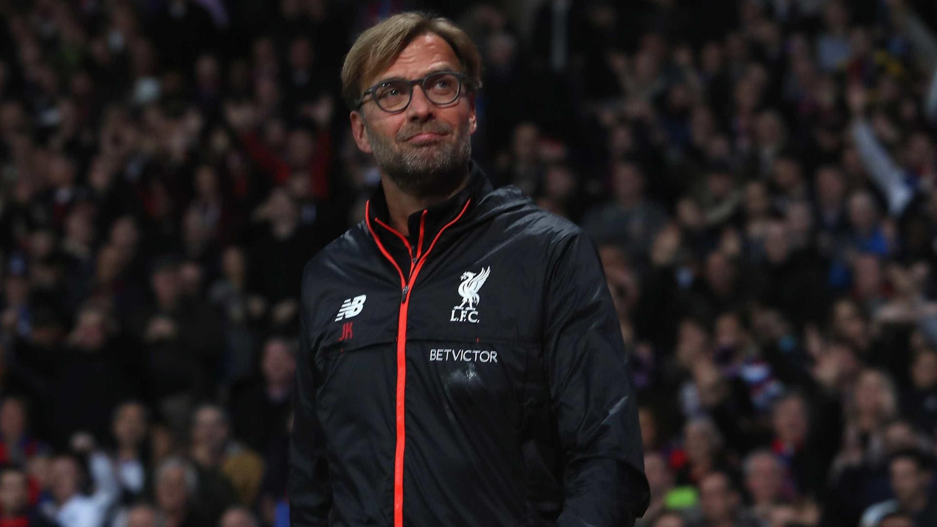 Klopp quer que Gerrard o suceda no comando técnico do Liverpool