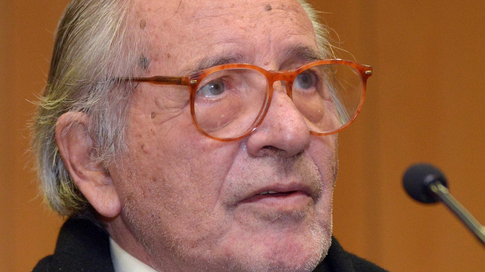 Parlamento aprova voto de pesar e lembra fundador do PSD