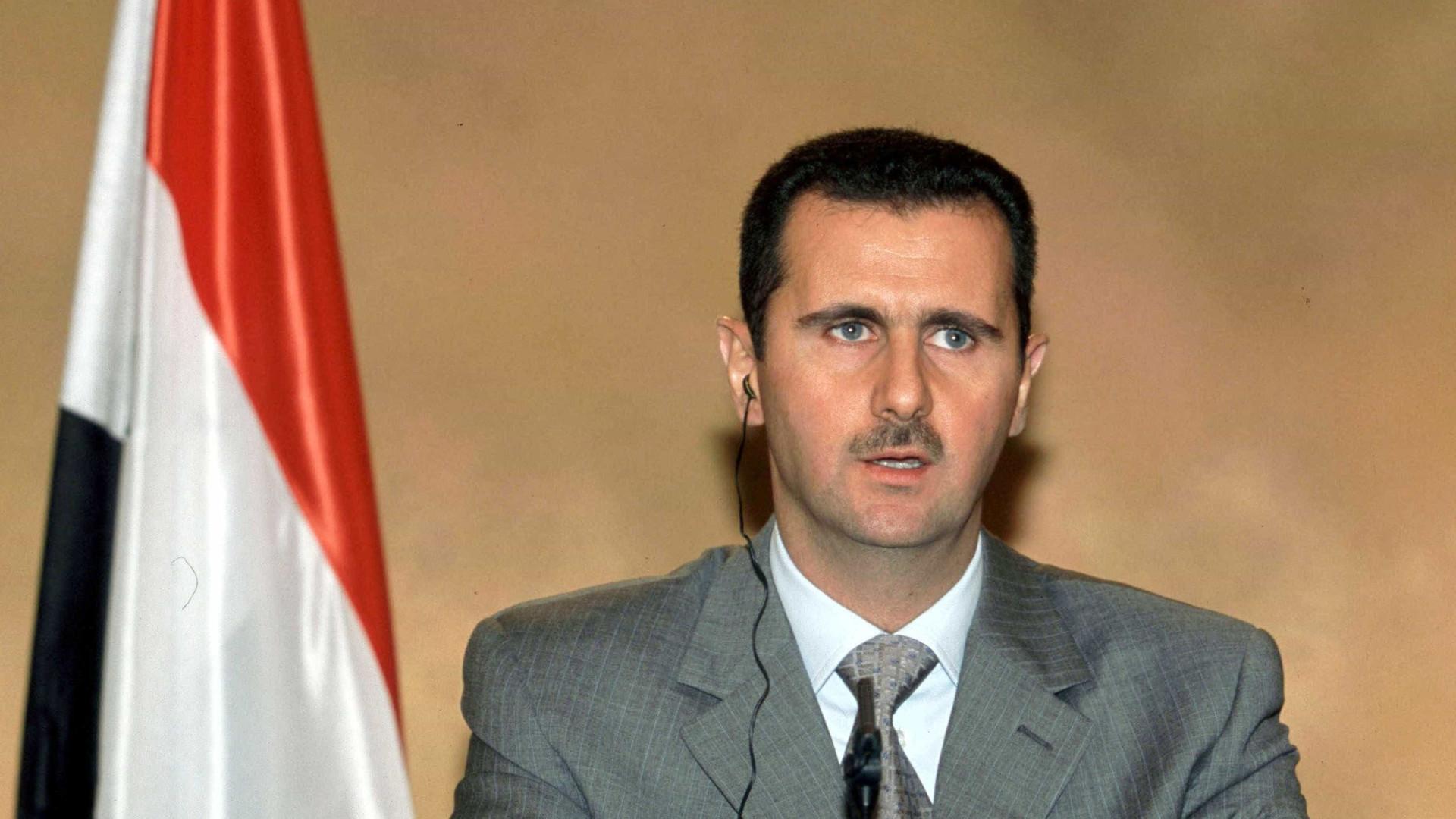 Assad devolve a França condecoração concedida em 2001