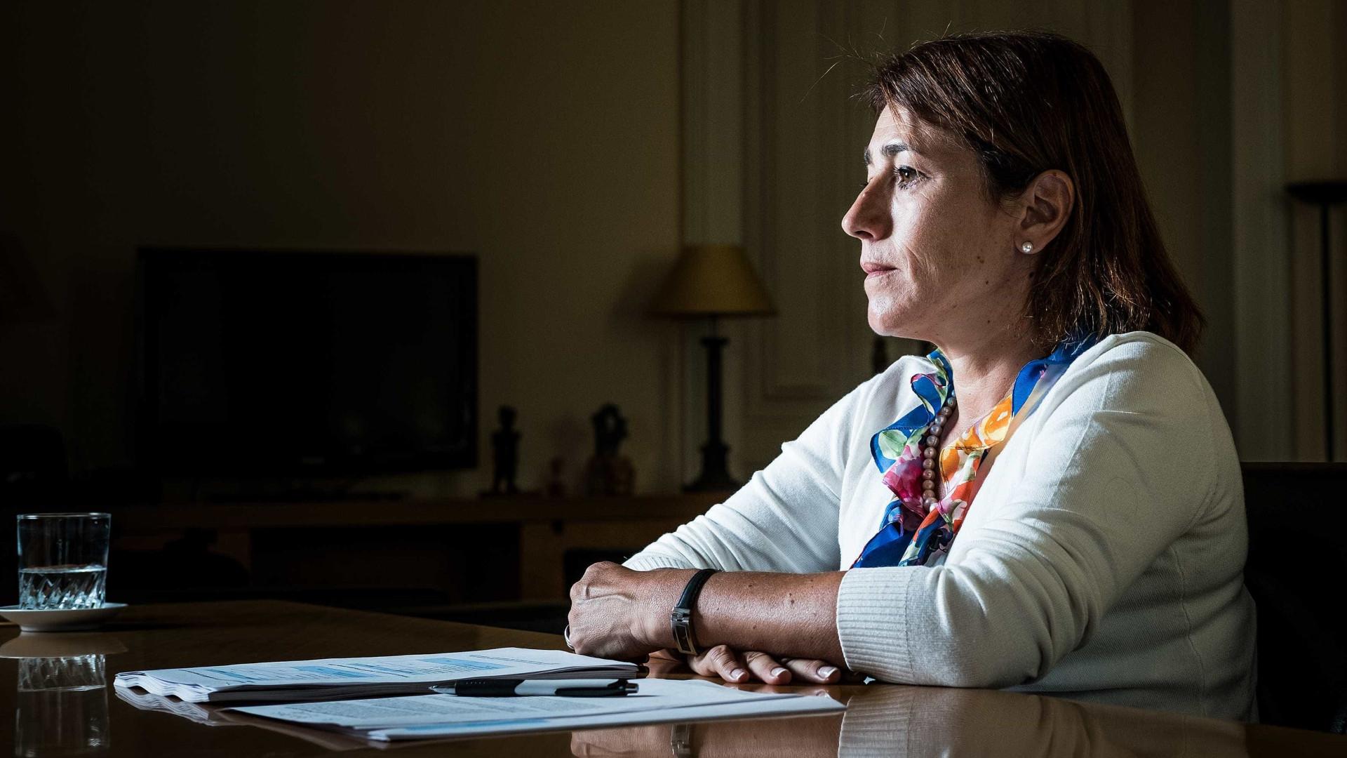 """Furto de armas """"preocupa"""" ministra que aguarda conclusão de investigações"""