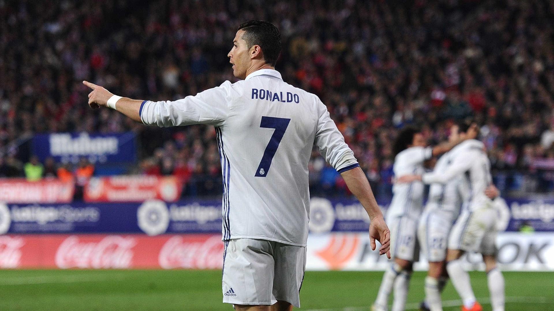 Morientes aposta na vitória do Real sobre o Barça com Ronaldo na frente