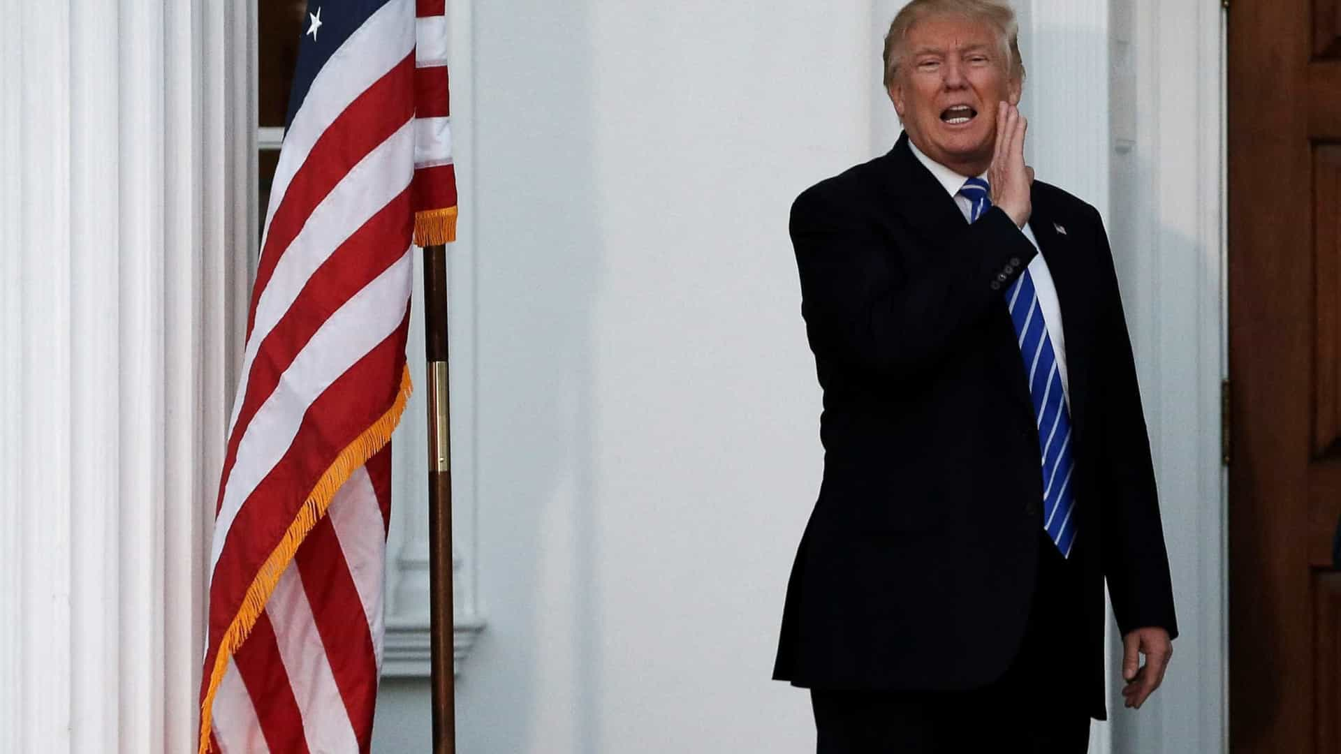 """Trump diz que a NATO é agora """"forte e rica"""" graças às suas pressões"""