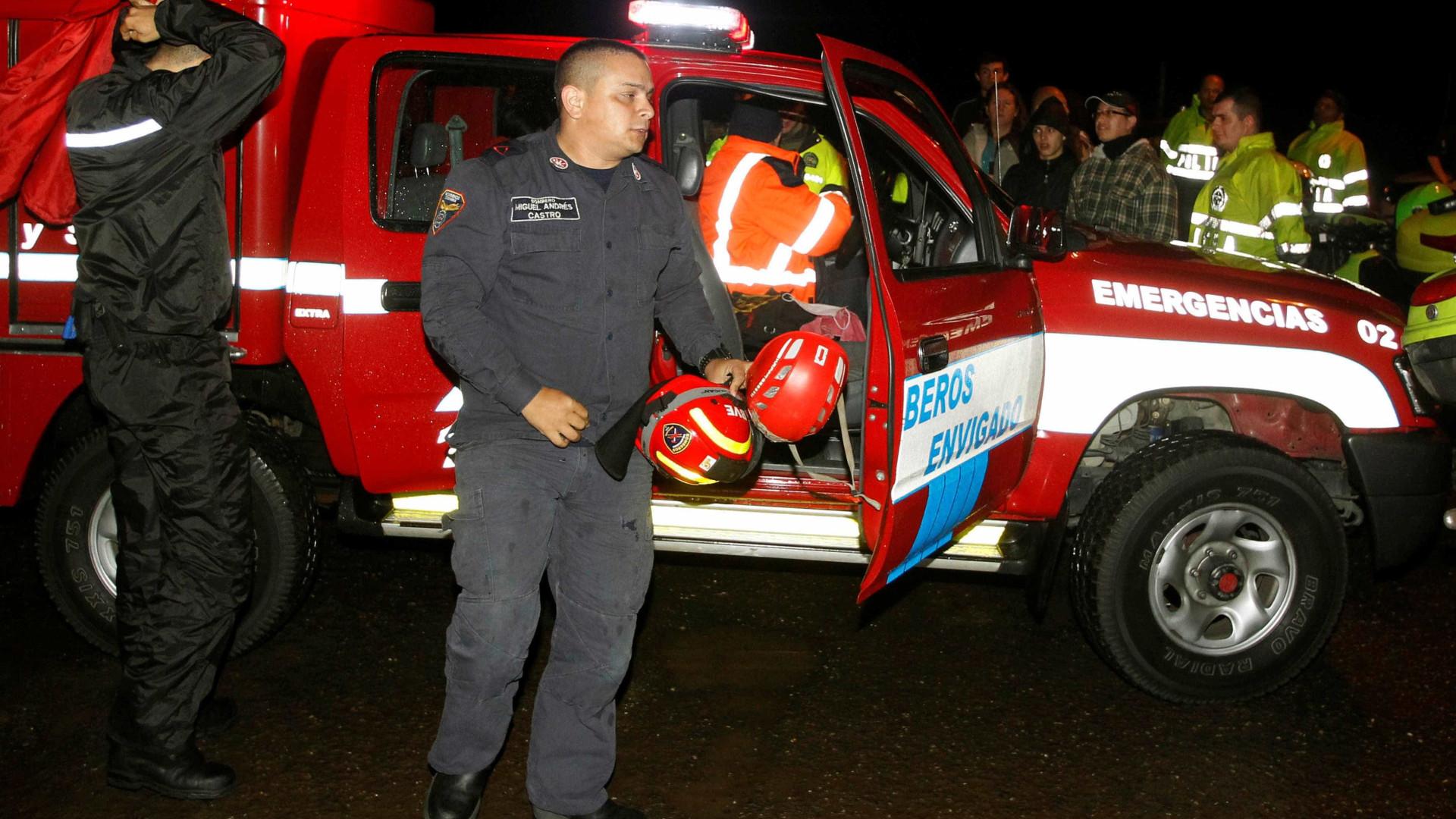 Resgatados 35 corpos do avião que se despenhou na Colômbia