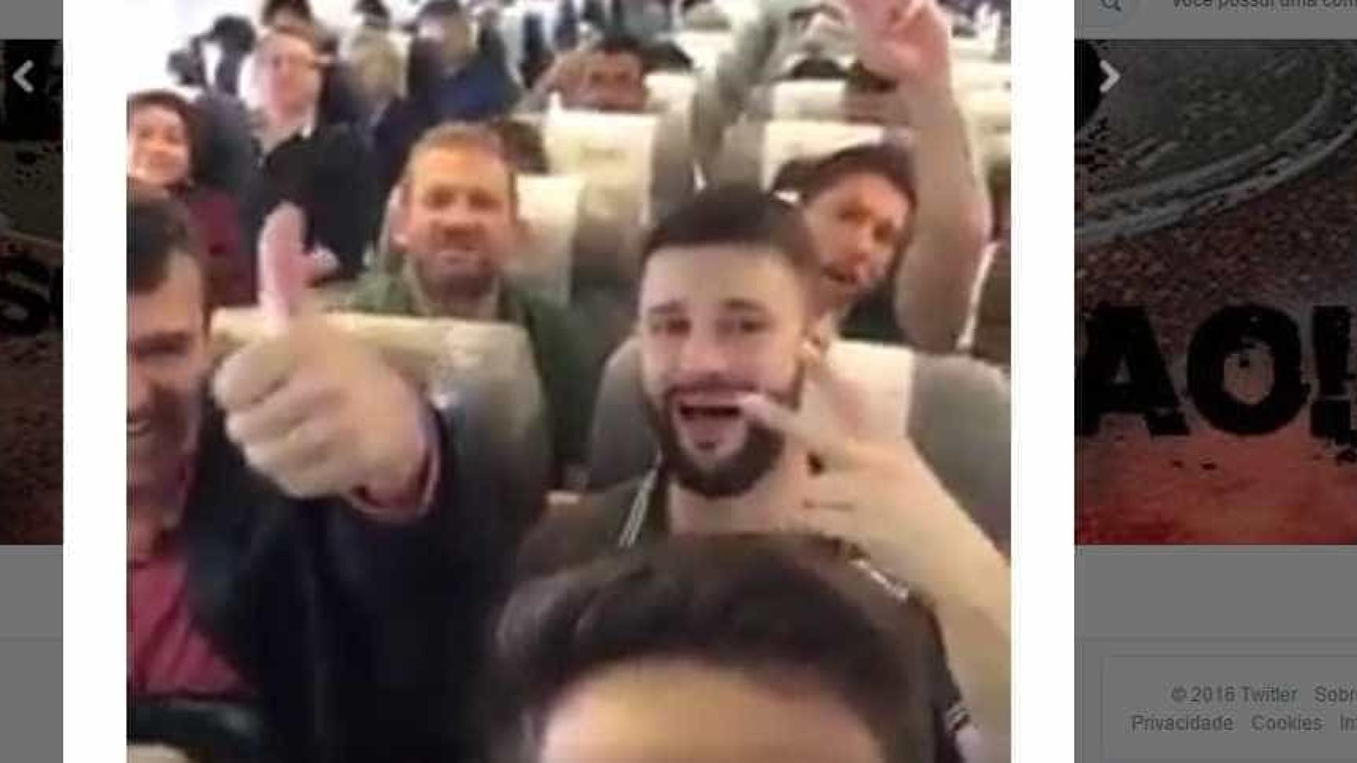 Divulgado vídeo gravado por jogador em voo que se despenhou na Colômbia