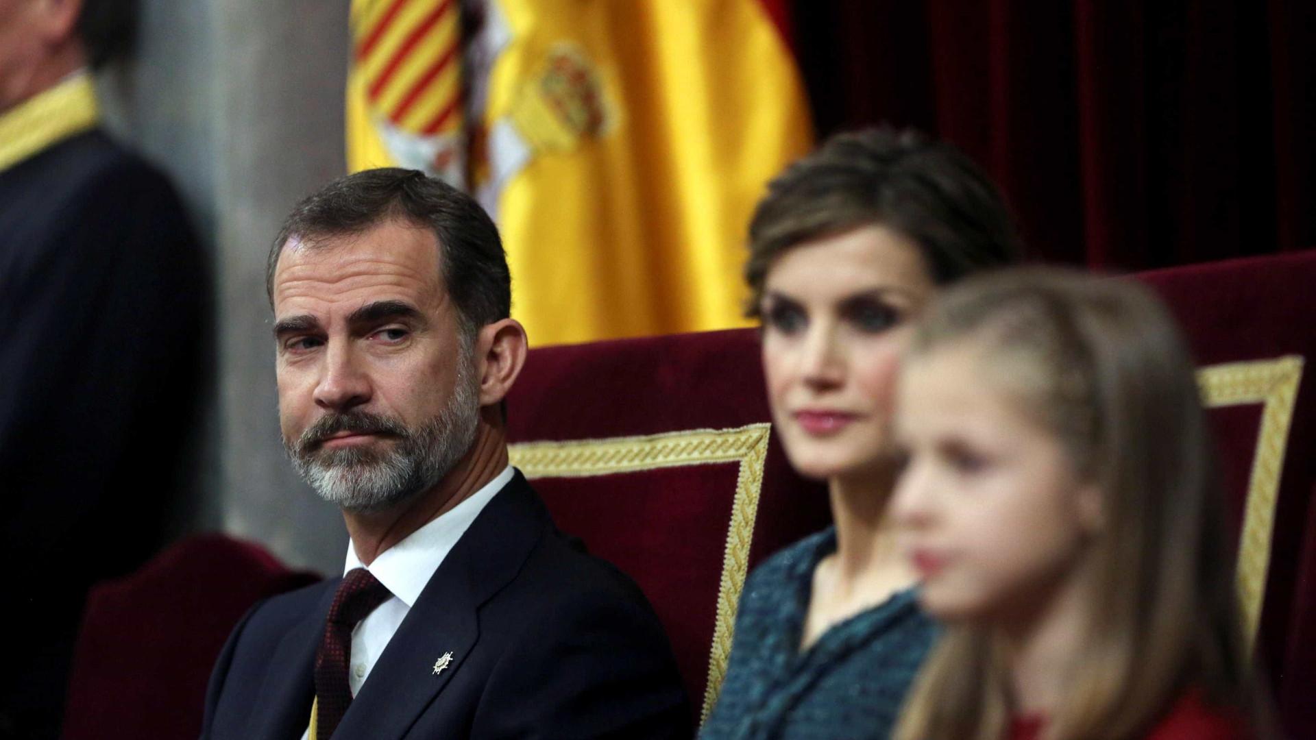 """Rei espanhol sublinha """"proximidade e boa vizinhança"""" com Portugal"""