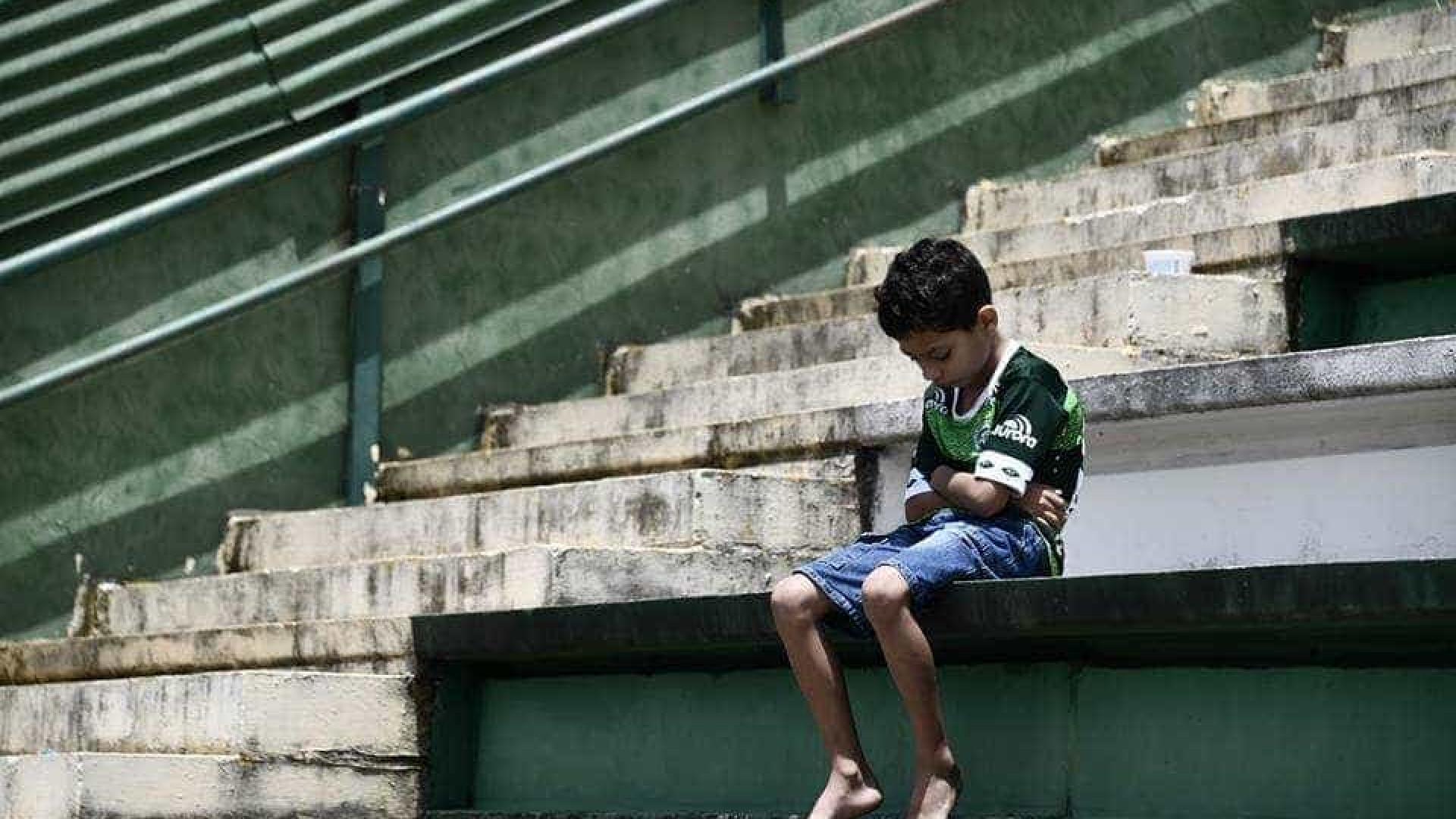 O jovem adepto do Chapecoense que está a correr mundo