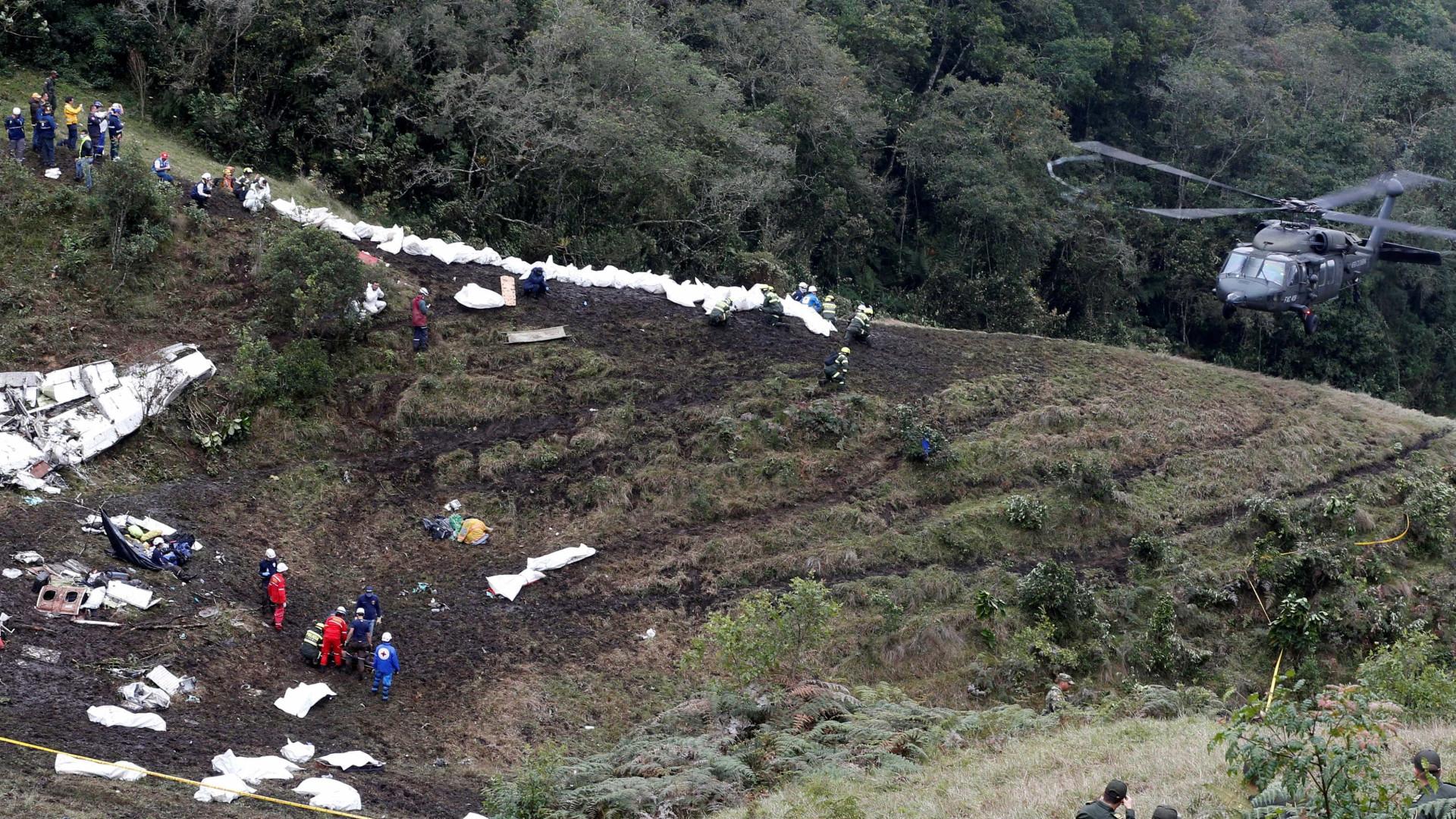 Caixas negras do avião que se despenhou na Colômbia já foram encontradas
