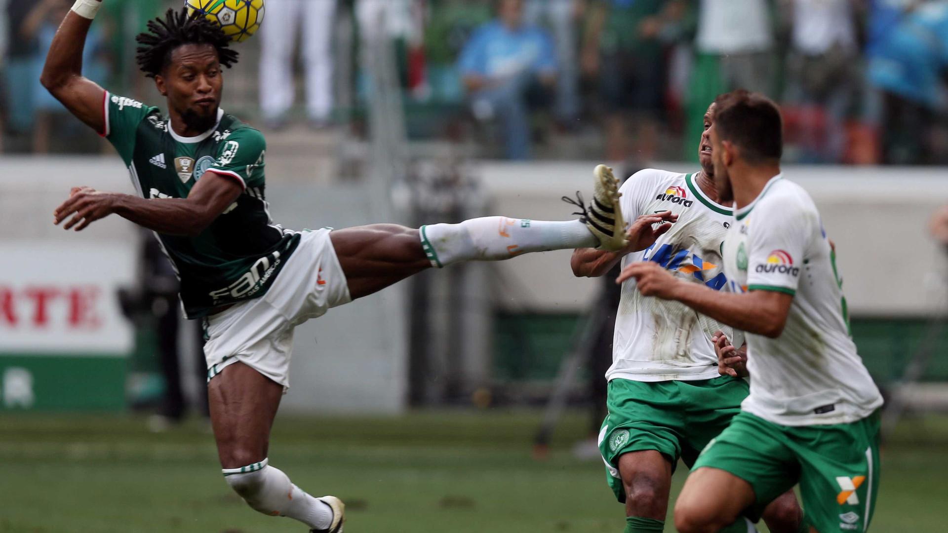 Campeão brasileiro homenageia Chapecoense com vídeo do último jogo