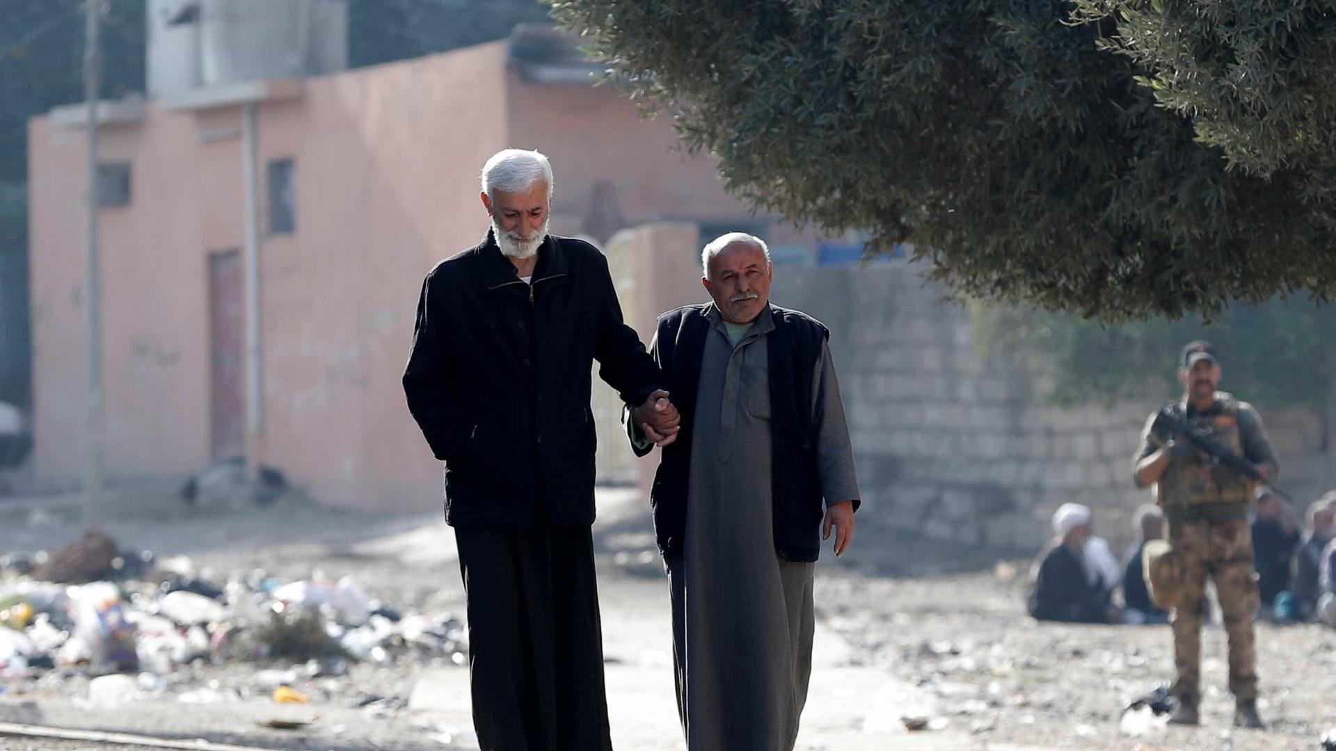Centenas de milhares de habitantes de Mossul sem água