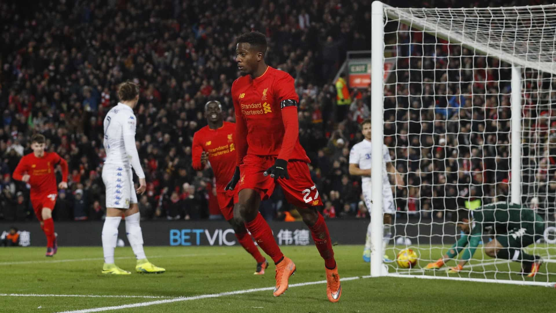 Liverpool vence Leeds e está nas 'meias' da Taça da Liga inglesa