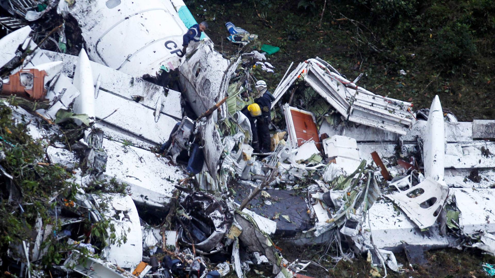 Tragédia do Chapecoense: Avião terá embatido em topo de montanha