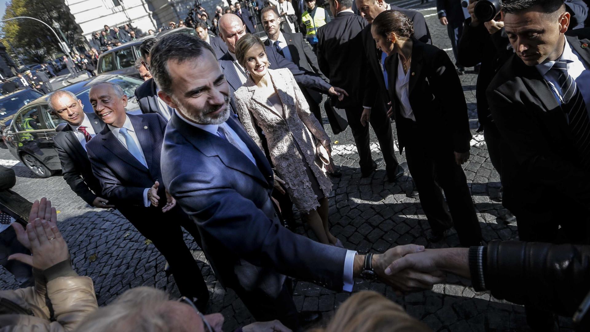 """Espanhóis residentes em Portugal """"são ponte de união"""", destaca rei"""