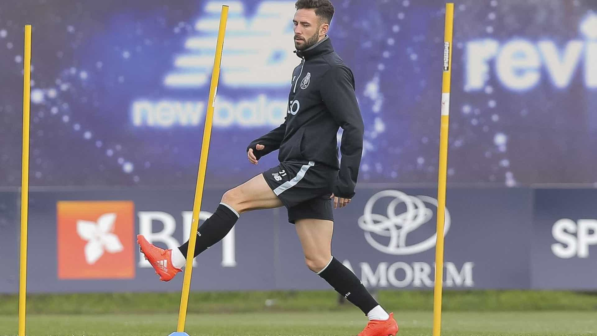 Layún foi a principal novidade do treino do FC Porto