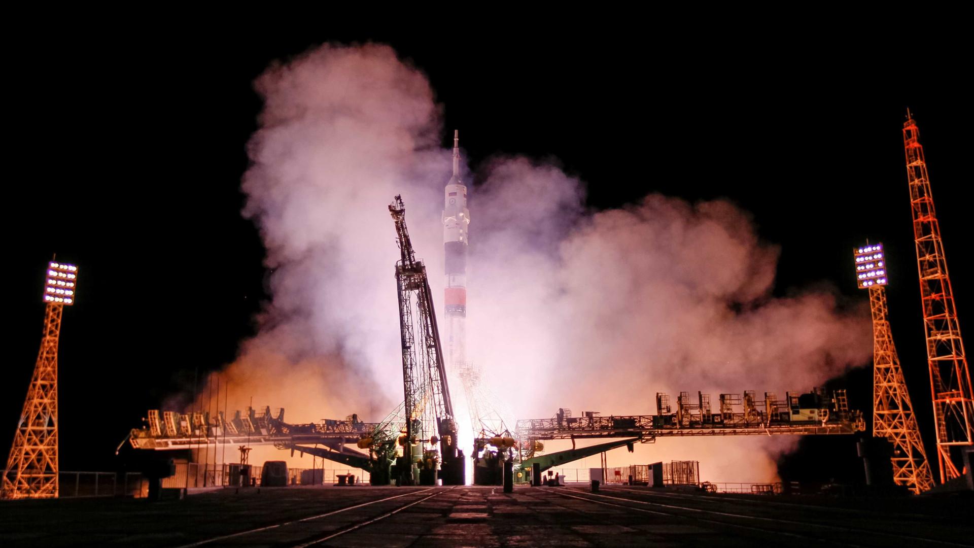 Agência espacial russa perde contacto com nave de carga não tripulada
