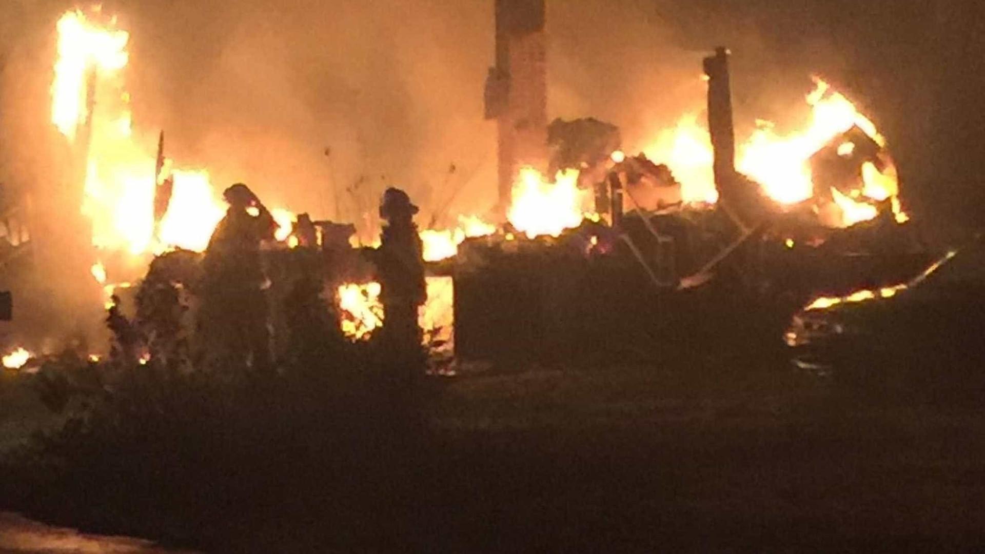 Pelo menos sete mortos em incêndios em zona turística dos EUA