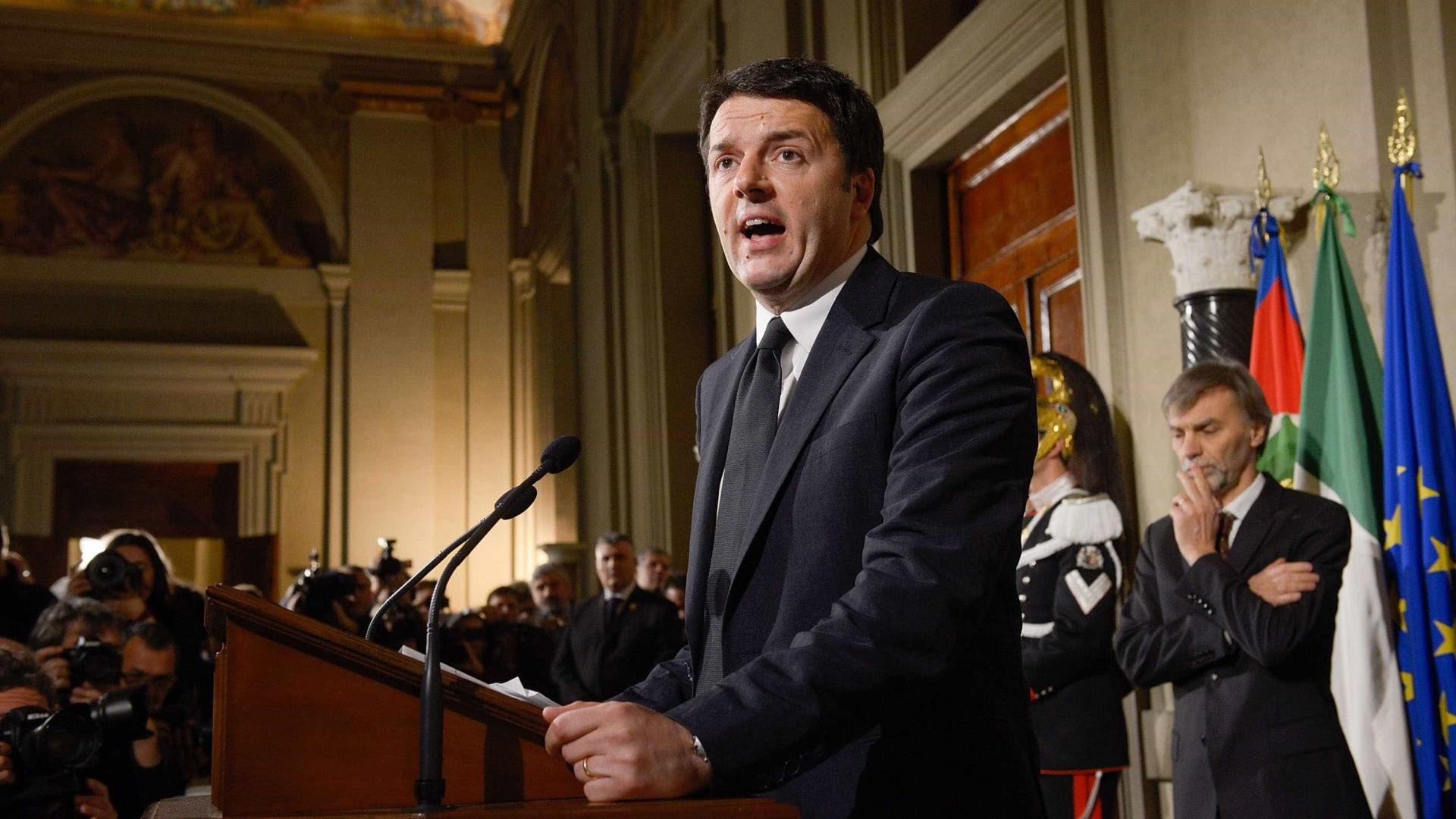 Itália realiza referendo que se transformou em plebiscito a Renzi