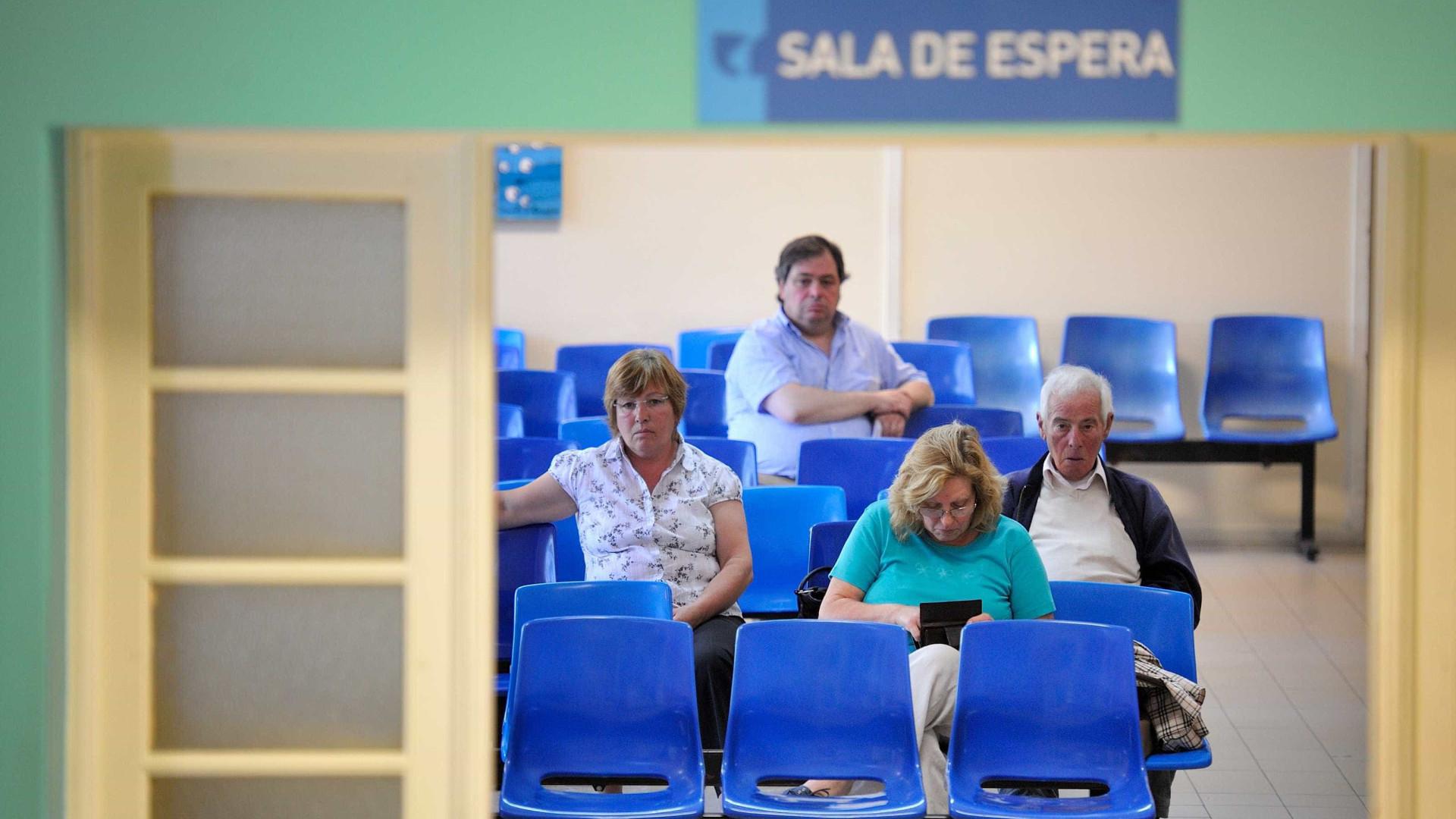 """Concentração junto ao Hospital de Santarém contra """"trabalho sem descanso"""""""