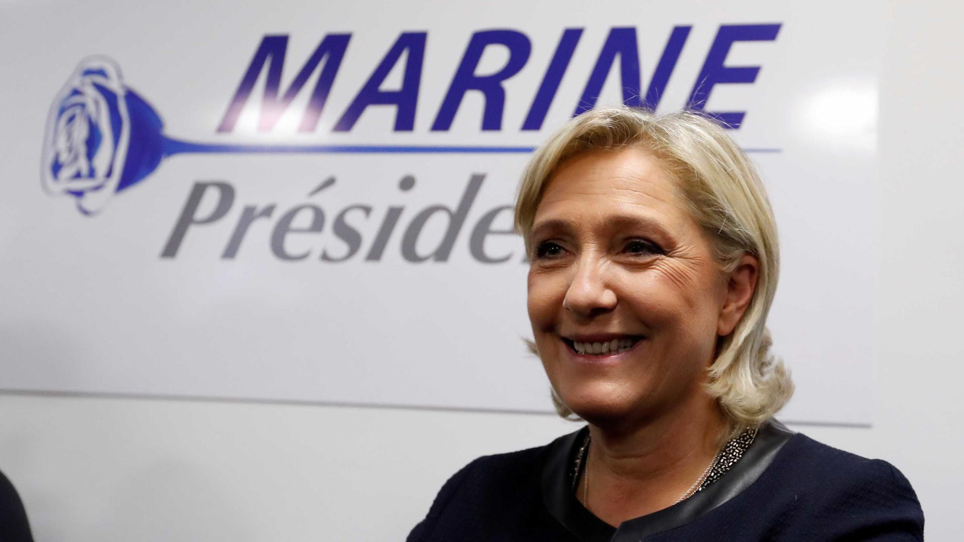 Receio da extrema-direita é preocupação entre franceses no Algarve