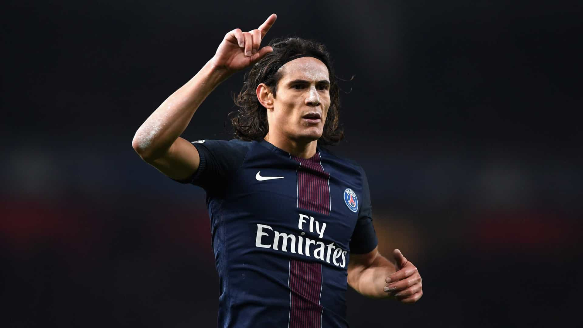 Cavani terá acordo para renovar com o Paris Saint-Germain