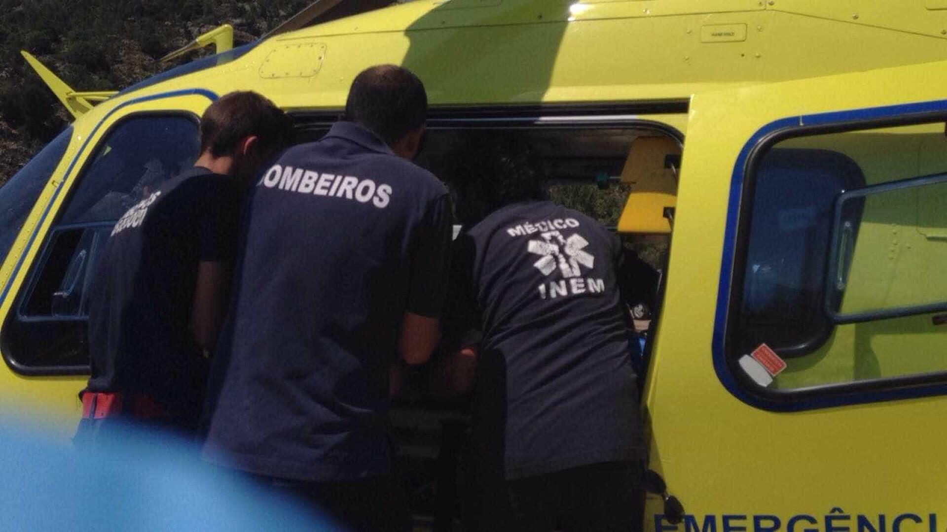 Acidente entre motos corta A2 em Almodôvar. Helicóptero do INEM no local
