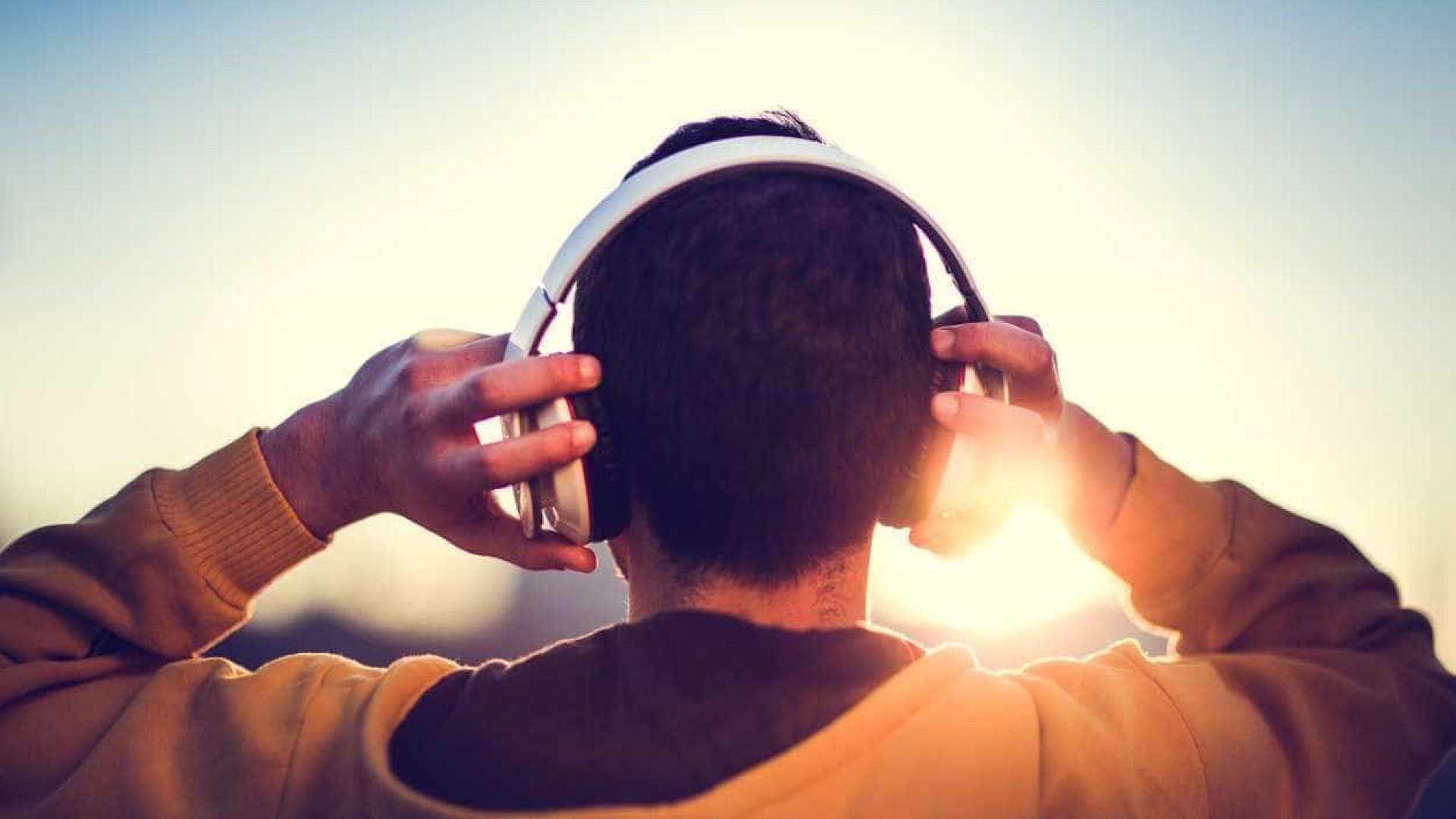 O futuro dos headphones está nos assistentes digitais
