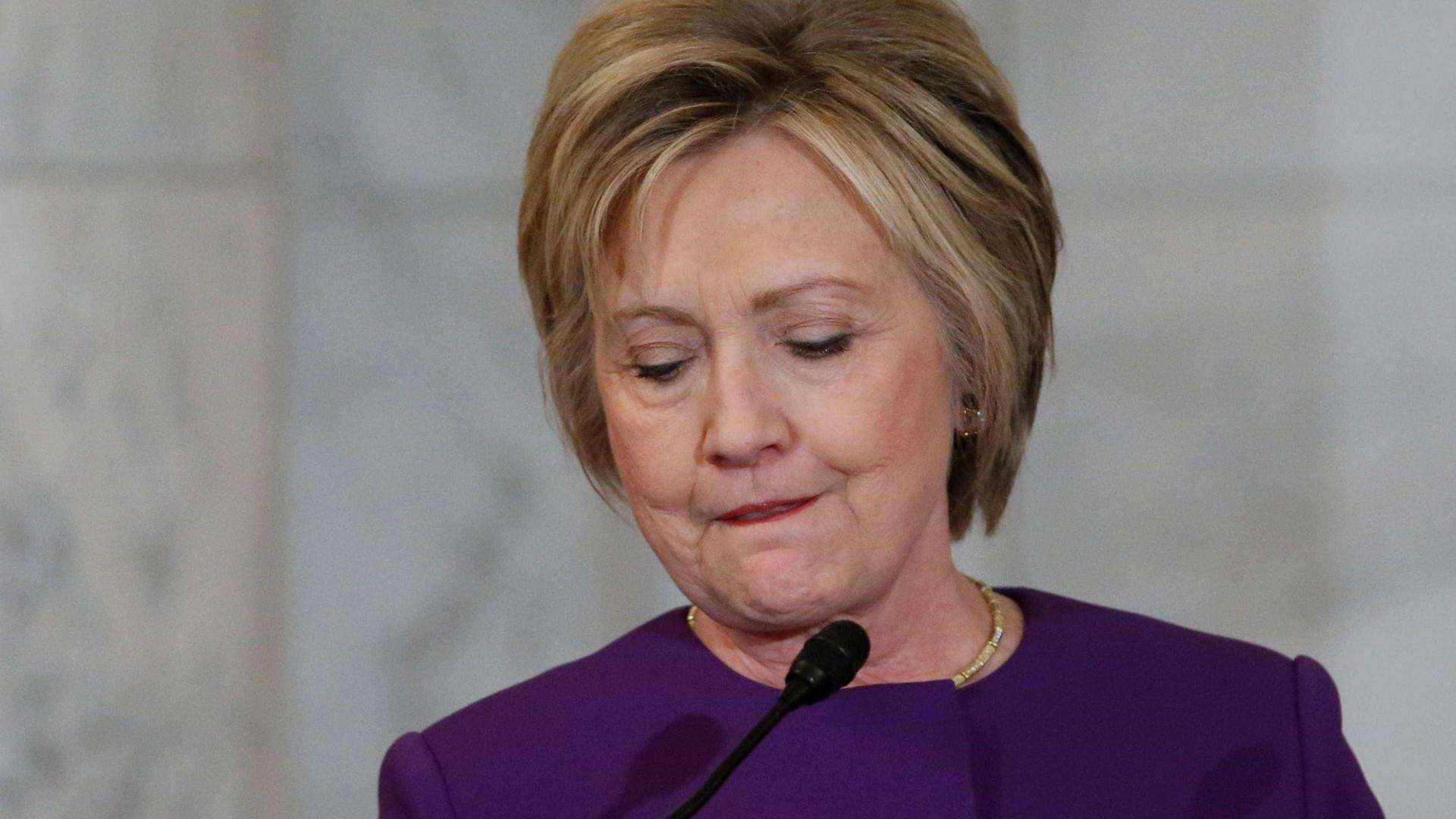 "Hillary Clinton acusa Trump de levar a cabo ""assalto à democracia"""