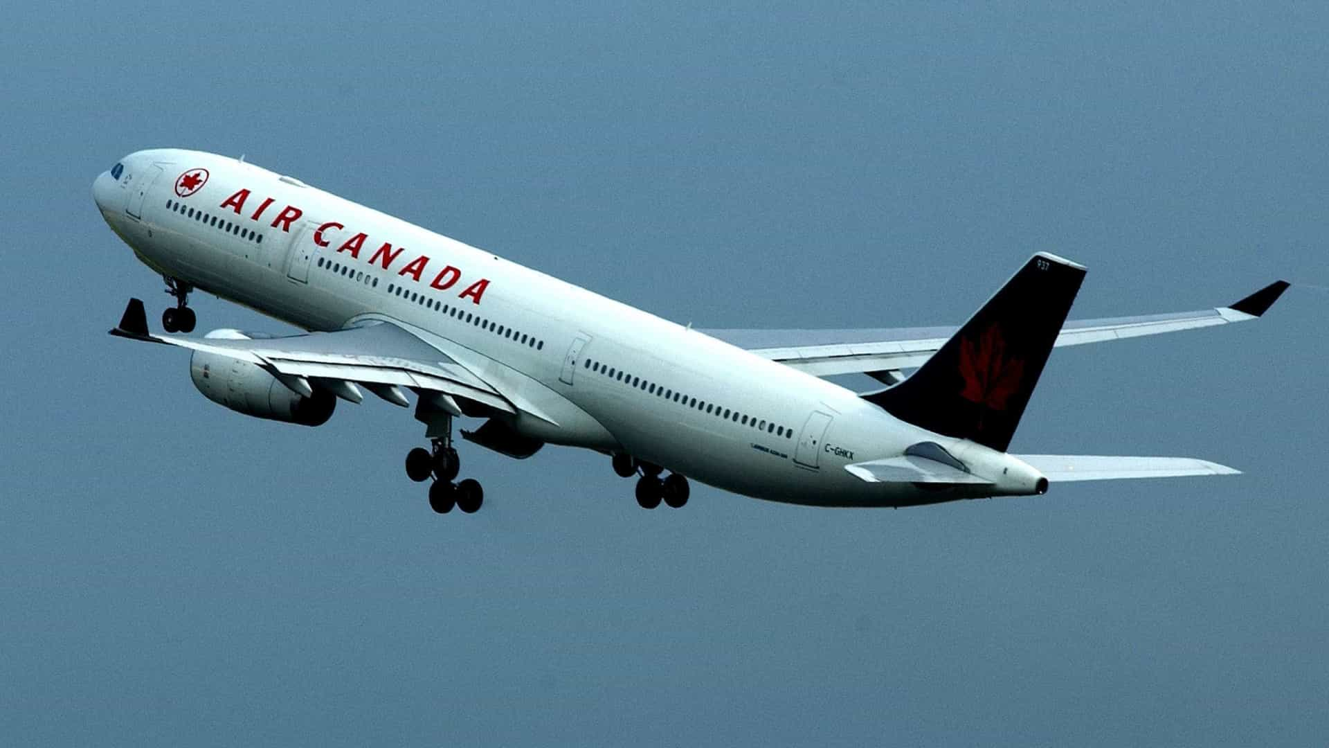 Air Canada: Avião regressa e aterra em Londres após rebentamento de pneu
