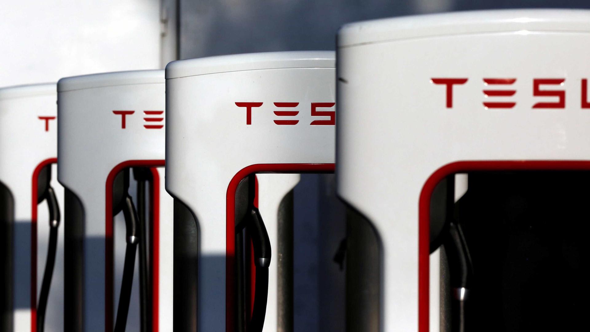Tesla já tem 10 mil carregadores Supercharger