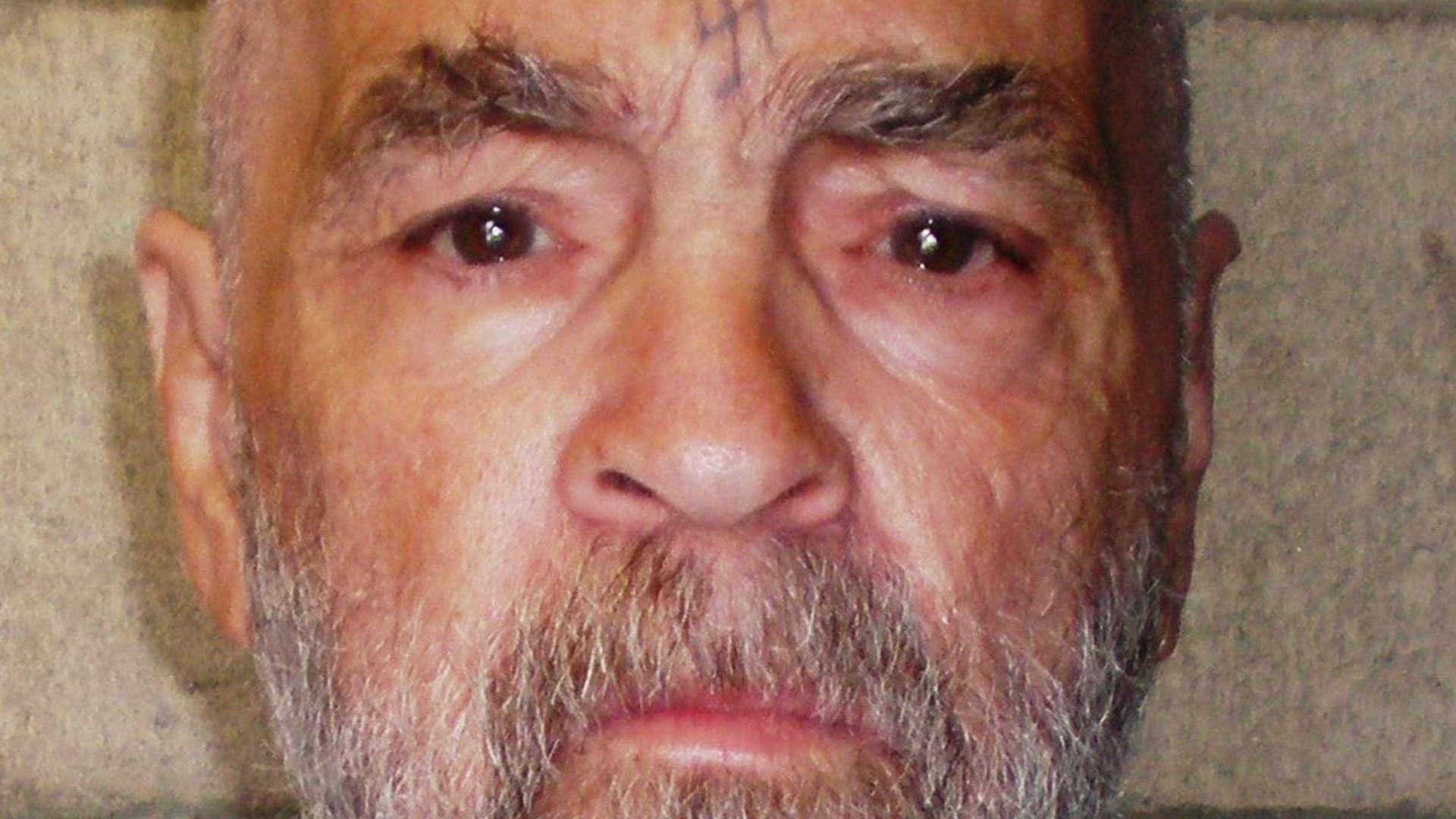 Autoridades não sabem a quem entregar corpo de Charles Manson