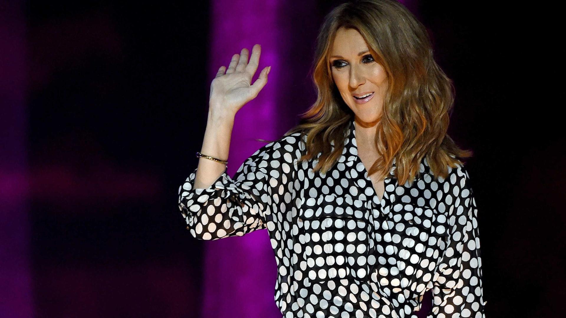 Celine Dion é vista em Paris sem qualquer maquilhagem no rosto