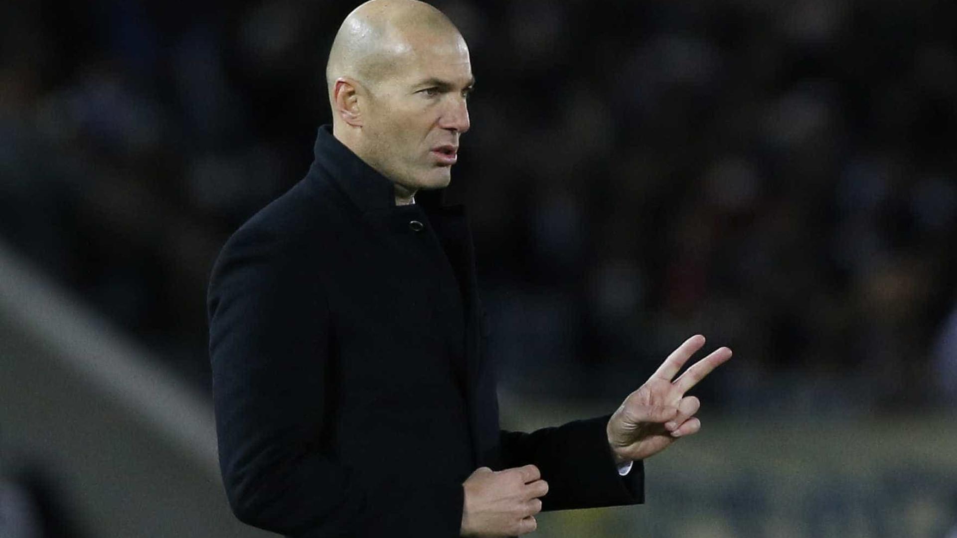 Zidane leva todos os jogadores a Málaga, até o filho