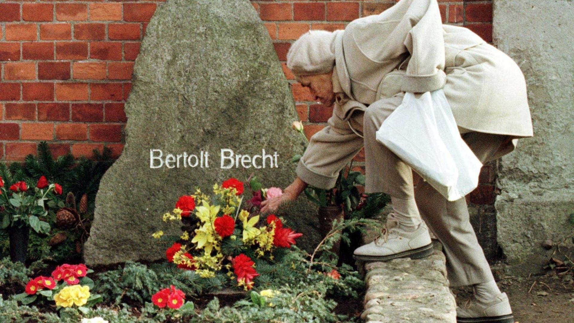 Teatro da Rainha inicia temporada com ensaios inacabados de Brecht