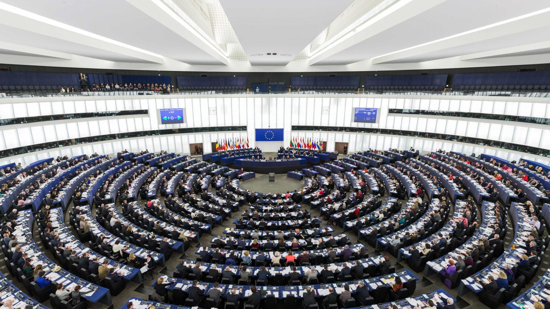PE pode suspender negociações com Turquia se o país mudar a Constituição