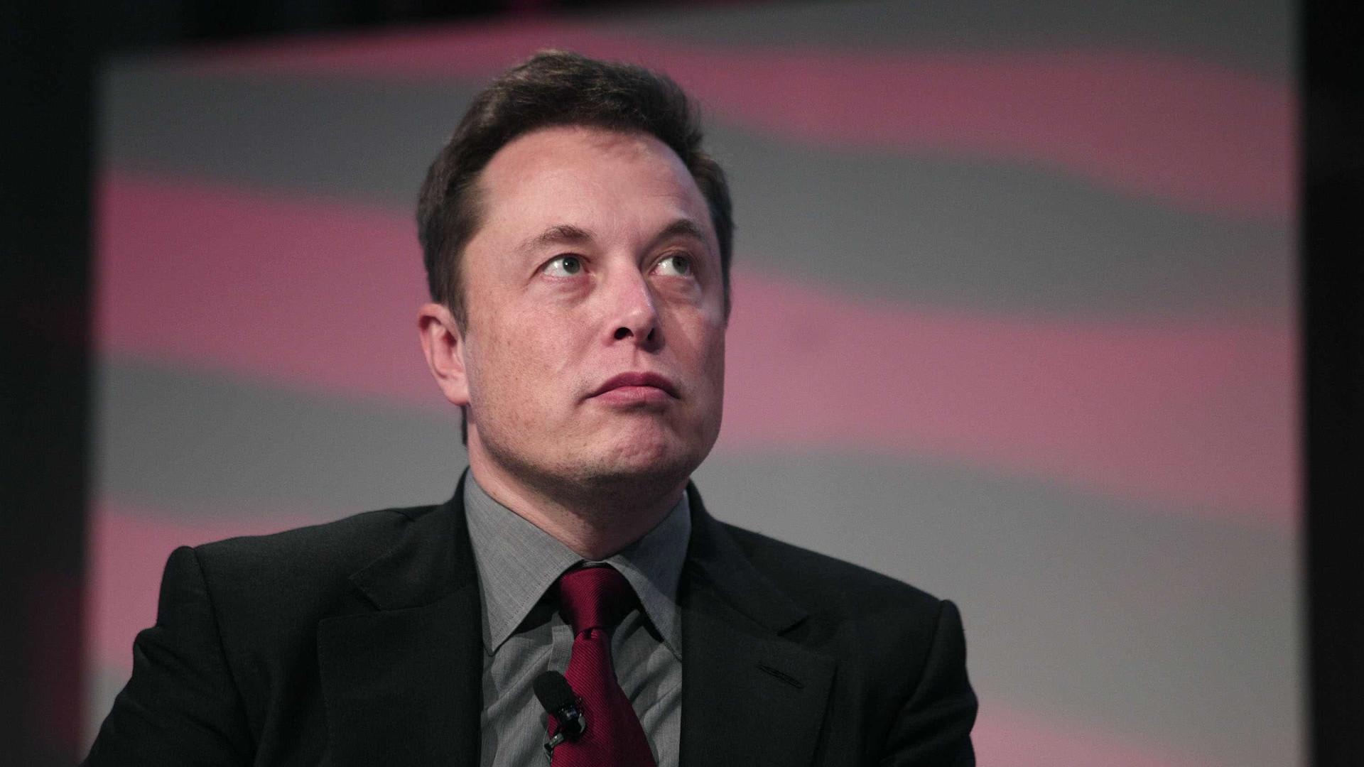 """Pessoas que investem contra Tesla """"são idiotas que querem a nossa morte"""""""