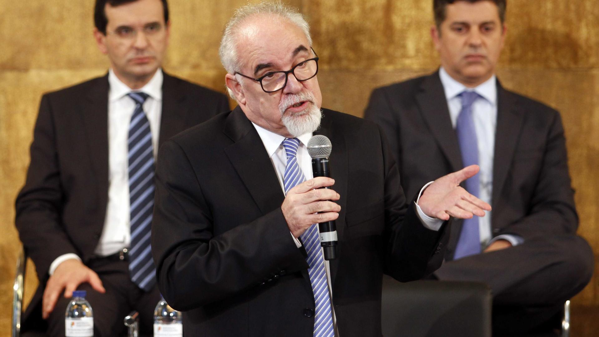 """Ministro recusa contradição. Concertação reforça """"combate à precariedade"""""""