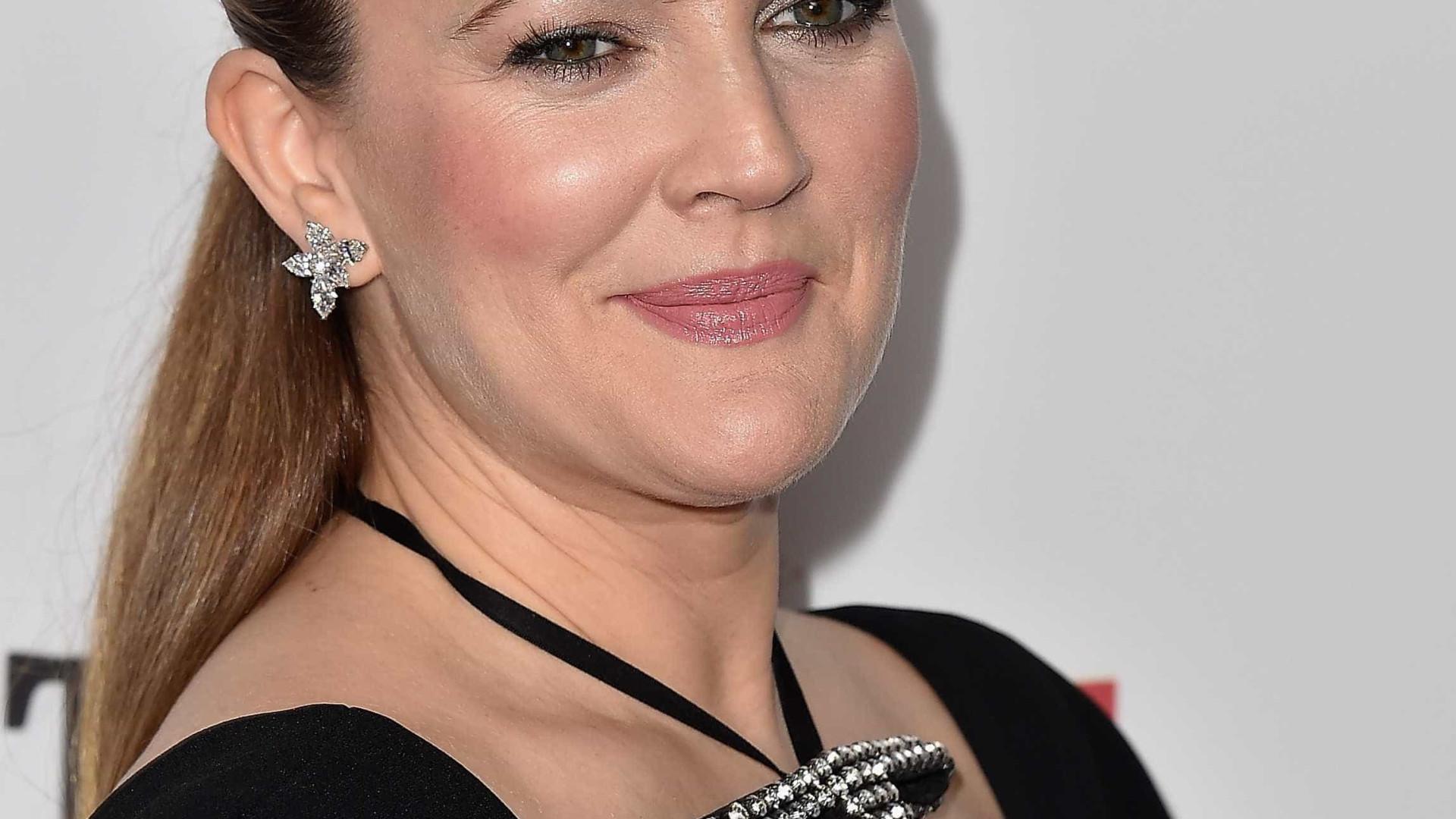 Drew Barrymore usou aplicação para achar um amor... mas acabou solteira