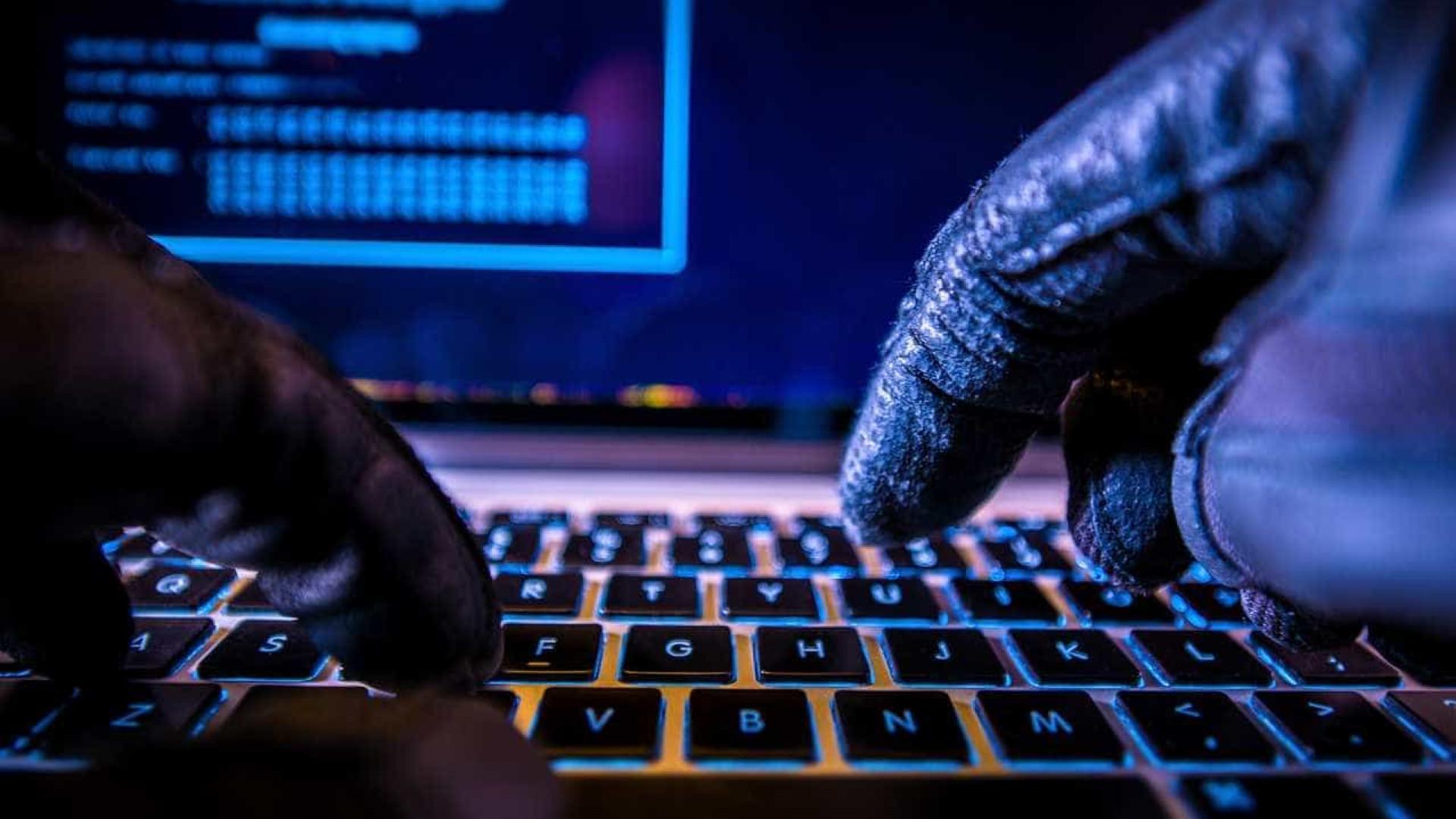 Homem acusado de burlar pessoas através de falsos anúncios no Facebook